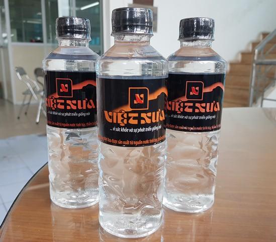 Sản phẩm nước tinh khiết Việt Xưa 399ml của Công ty CP Đầu tư và Phát triển Việt Xưa.