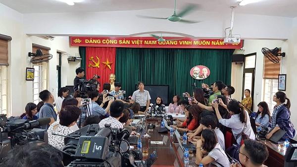 Sở GD-ĐT Hà Nội báo cáo gì với Bộ GD-ĐT về vụ việc tại trường Tiểu học Quang Trung?