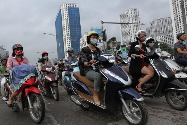 Đề xuất thu phí bảo vệ môi trường với khí thải đang gây bức xúc trong dư luận. Ảnh: LDO