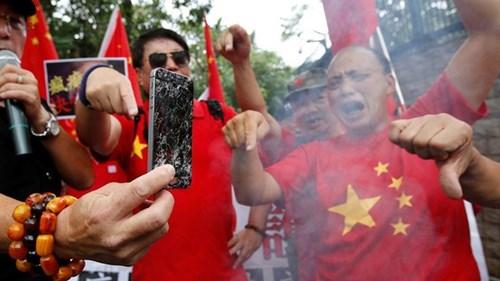 Nhiều công ty Trung Quốc kêu gọi nhân viên ủng hộ Huawei, tẩy chay Apple