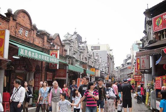 Tăng cường quản lý việc đưa khách Việt Nam đi du lịch nước ngoài