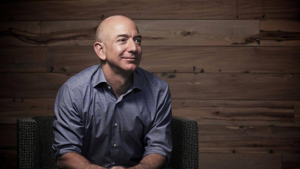 Tỷ phú giàu nhất thế giới dạy con như thế nào?