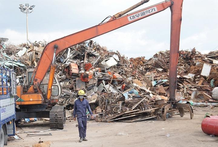 Cấm dỡ hàng xuống cảng là chất thải, phế liệu không đủ điều kiện nhập khẩu