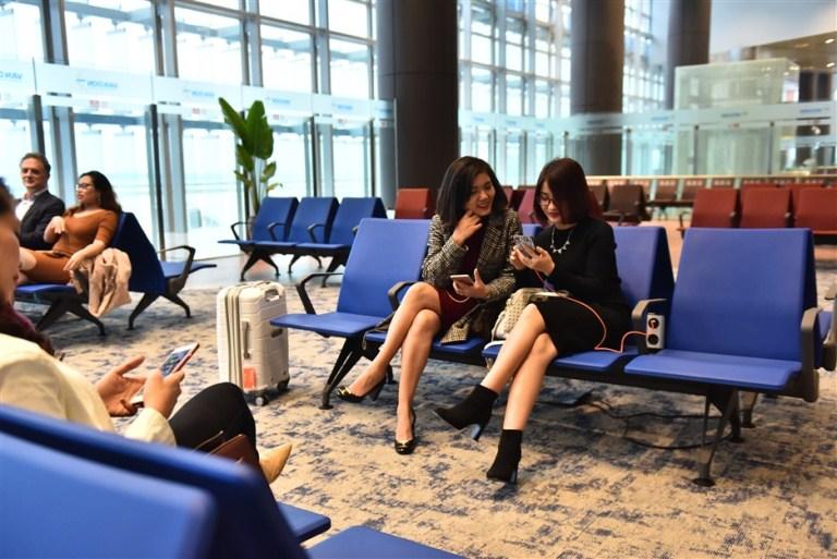Bay thẳng đến Vân Đồn, hành khách được miễn phí tham quan nhiều thắng cảnh Quảng Ninh