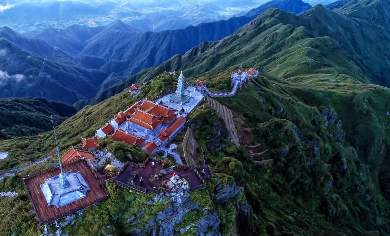Đầu xuân hành hương về những miền đất Phật trên núi cao