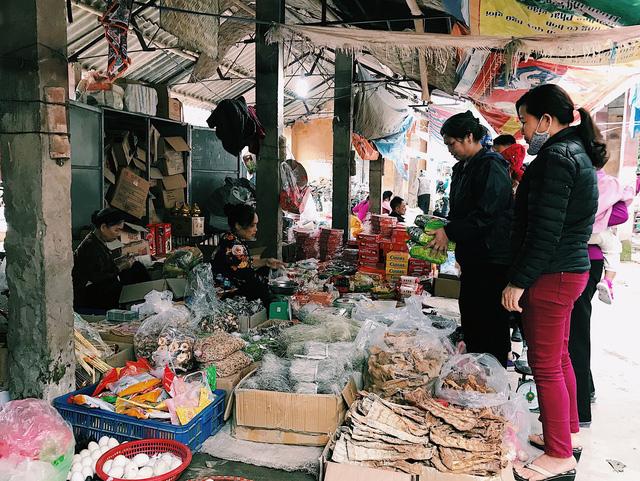 Hàng hóa phong phú và đa dạng giúp cho người mua có nhiều sự lựa chọn.