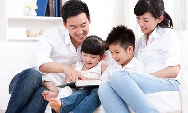 Những việc cha mẹ nên làm để nuôi nấng con cái khỏe mạnh, ngoan ngoãn