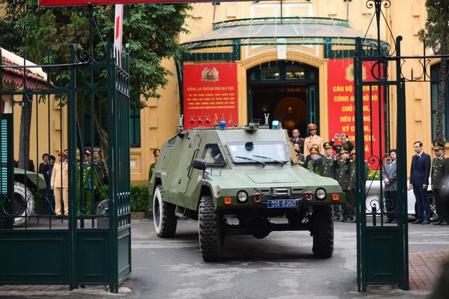 Sáng ngày 25/2, Công an TP. Hà Nội đã tiến hành làm lễ xuất quân đảm bảo an ninh, trật tự cho Hội nghị thượng đỉnh Mỹ - Triều sẽ diễn ra vào ngày 27 - 28/2.