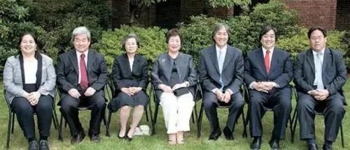 Cả 6 người con của bà Hesung Chun Koh đều là tiến sĩ và giữ các trọng trách cao ở Mỹ, Hàn Quốc.. Ảnh: Sohu.