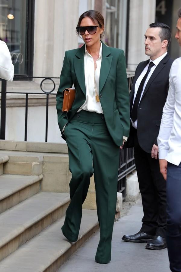 victoria-beckham-green-suit