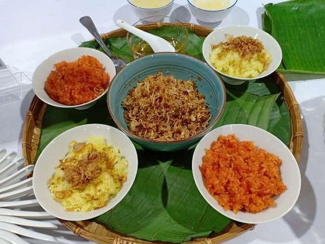 Những món xôi của Việt Nam cũng được trình bày bắt mắt và lôi cuốn.