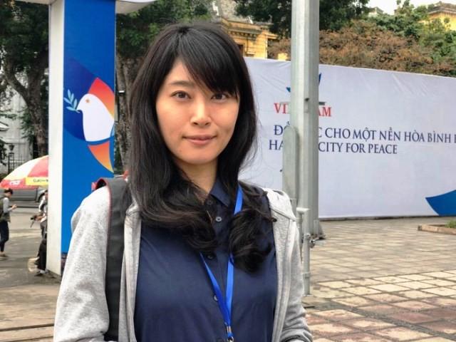 Phóng viên Kishimoto của tờ Nikkei.