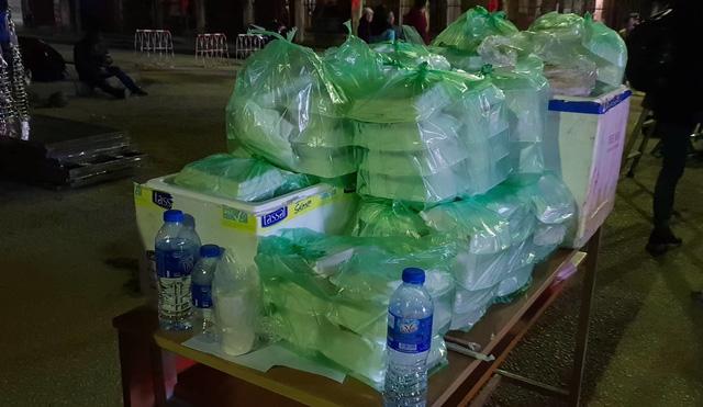150 suất xôi chuẩn bị phát miễn phí cho phóng viên trong và ngoài nước, tại Lạng Sơn. Ảnh: TL