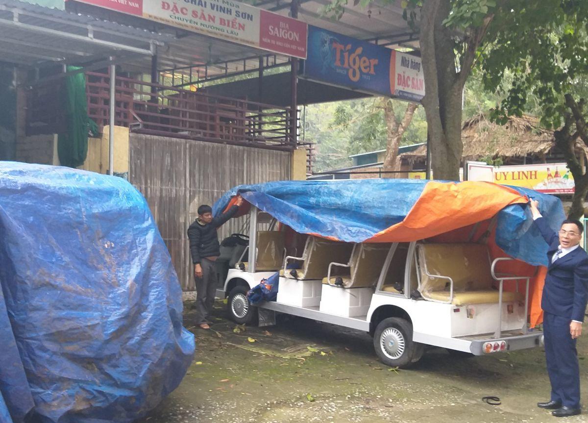 """Vụ xe điện tiền tỷ """"đắp chiếu"""": Chủ tịch Sầm Sơn nói gì về tình trạng xin - cho trong cấp phép hoạt động xe điện?"""