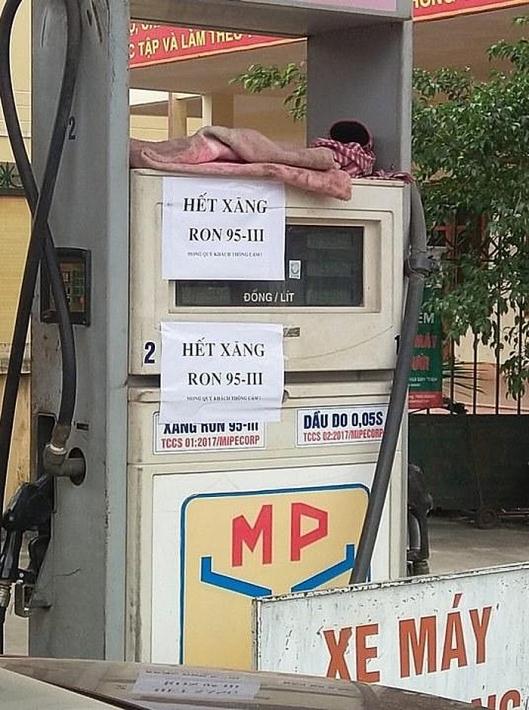 Nhiều cây xăng Hà Nội ngừng bán xăng RON 95