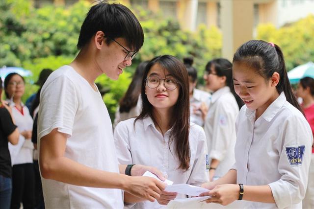 Thi thử THPT Quốc gia tại Hà Nội: Đề nhẹ nhàng hơn so với năm trước