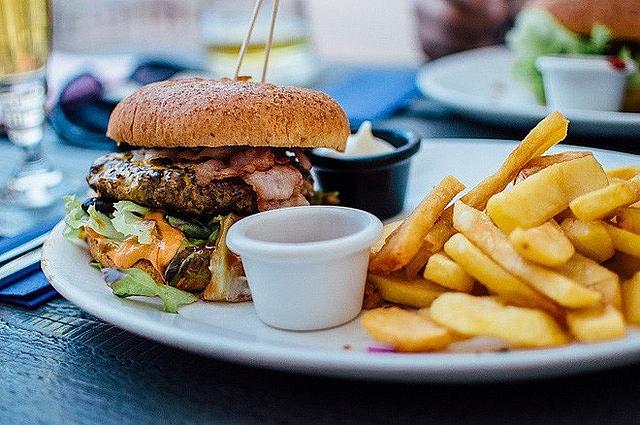 Muốn có trái tim khỏe, hãy tránh xa những thực phẩm này