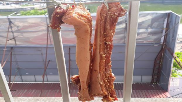 Ngày nắng 40 độ, tranh thủ làm thịt heo một nắng ăn cơm ngon hay làm mồi nhậu đều bá cháy 1