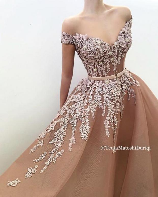 Nhà thiết kế tạo ra những chiếc váy đẹp như cổ tích khiến chị em thích mê 17