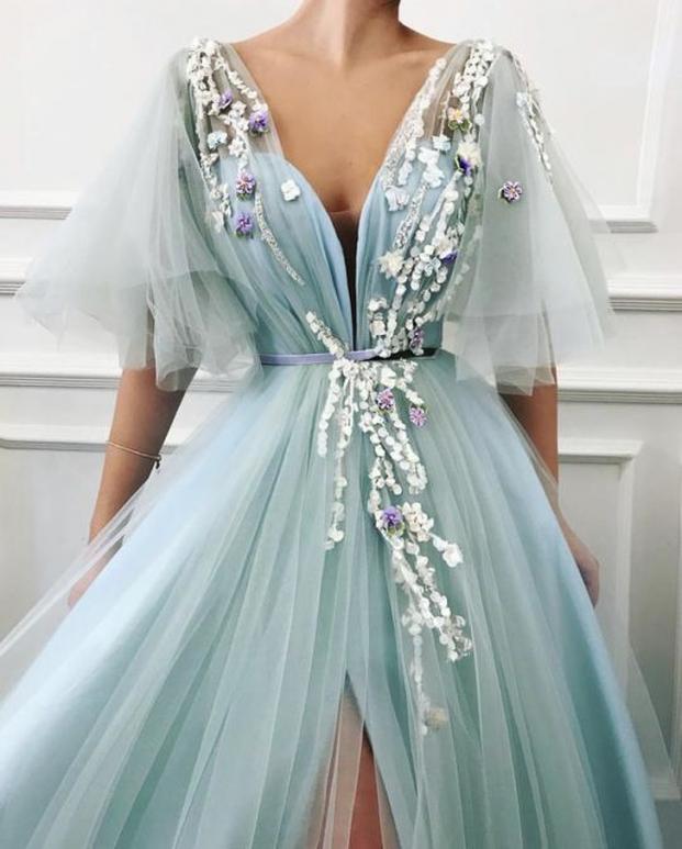 Nhà thiết kế tạo ra những chiếc váy đẹp như cổ tích khiến chị em thích mê 24
