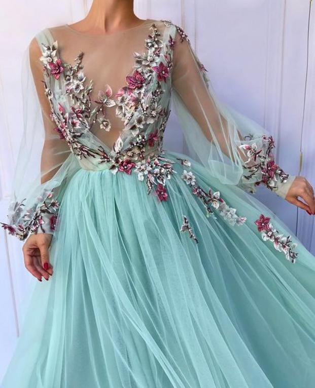 Nhà thiết kế tạo ra những chiếc váy đẹp như cổ tích khiến chị em thích mê 6