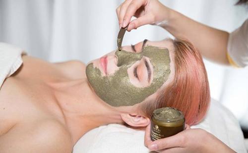Bật mí cách chăm sóc da với trọn bộ mỹ phẩm Deaura