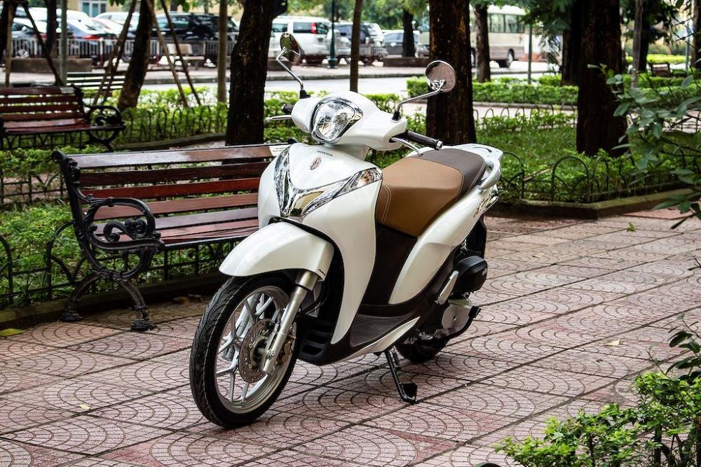Vì sao xe máy ế ẩm, giảm giá hàng triệu đồng?