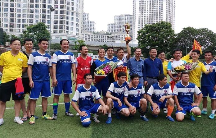 Tranh tài sôi nổi tại Giải bóng đá Cúp Tứ Hùng 2019