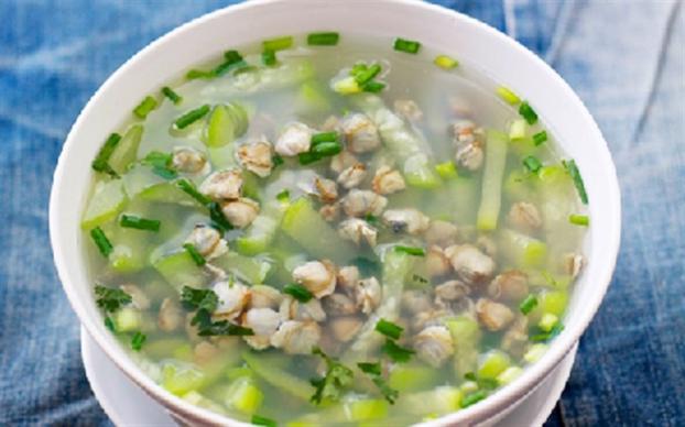 Món ngon mỗi ngày: Canh bầu nấu ngao đậm đà hương vị, đổi gió cho bữa cơm nhà