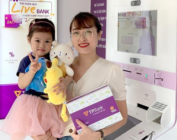 TPBank đã chuẩn bị hơn 30,000 món quà dành tặng khách hàng trong ngày 1/6/2019 này.