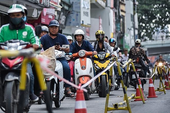 Hà Nội: Rào chắn đường Trần Hưng Đạo phục vụ thi công ga ngầm đường sắt Nhổn - ga Hà Nội