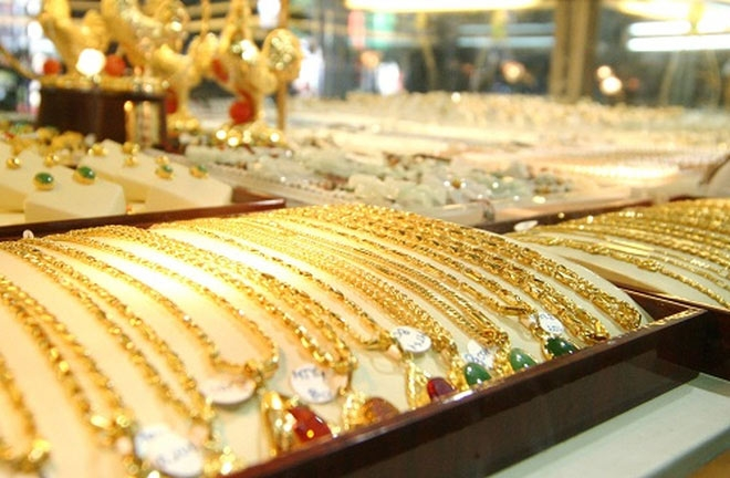 Giá vàng hôm nay (11/6/2019): Vàng treo cao