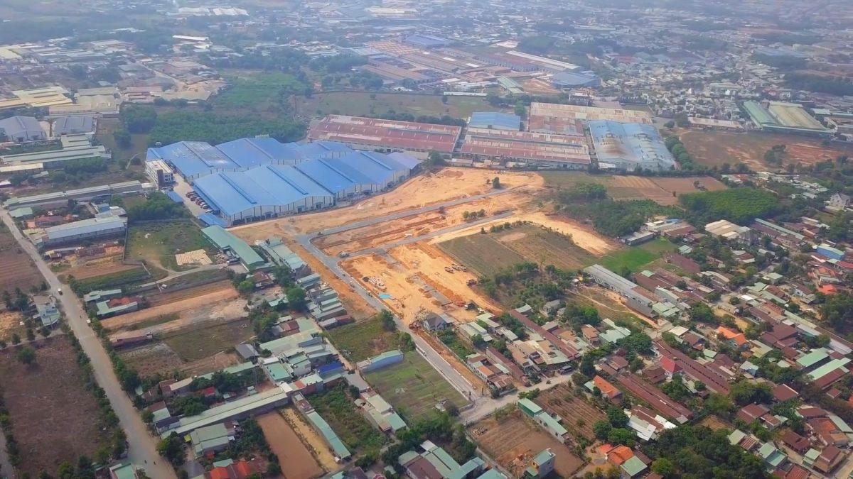 Nhiều dự án bất động sản đất nền được quảng bá và nhận được nhiều sự quan tâm của các nhà đầu tư (Nguồn: https://tanphuockhanhvillage.vn/)