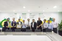 FE Credit liên tiếp nhận 2 giải thưởng lớn từ Global Banking & Finance
