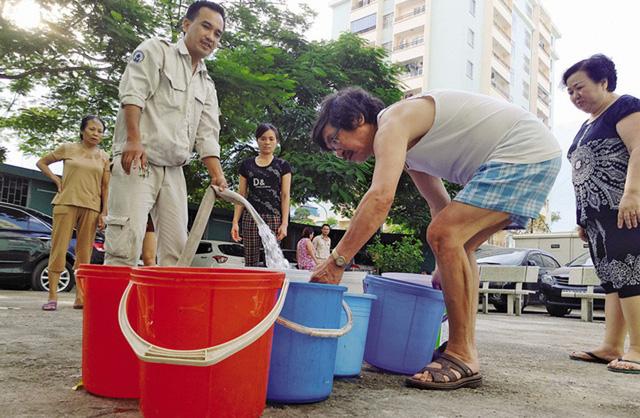 Hà Nội: Mực nước Sông Đà xuống rất thấp, nguy cơ thiếu nước sạch