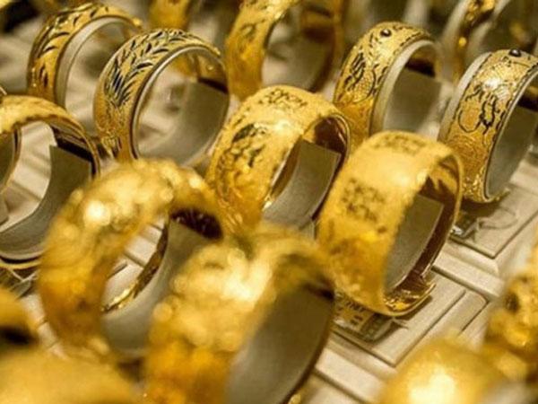 Giá vàng hôm nay 10/7: Vàng trong nước bất ngờ giảm 'sốc'