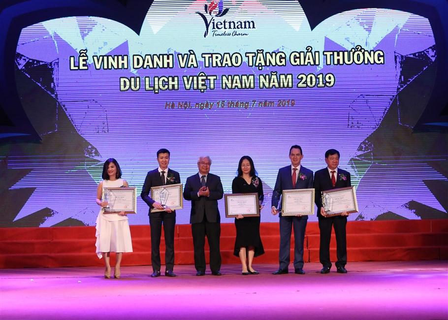 Sun Group bội thu giải thưởng tại Lễ trao Giải thưởng Du lịch Việt Nam 2019
