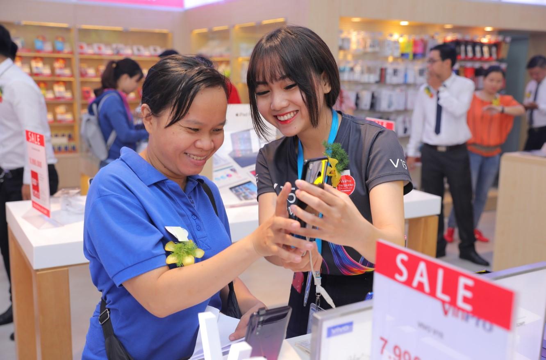Không gian mua sắm thân thiện với đa dạng đối tượng khách hàng.