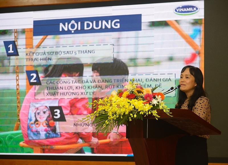 Bà Nguyễn Minh Tâm, Giám đốc Chi nhánh Vinamilk tại Hà Nội chia sẻ công tác phối hợp thực hiện chương trình Sữa học đường Hà Nội.