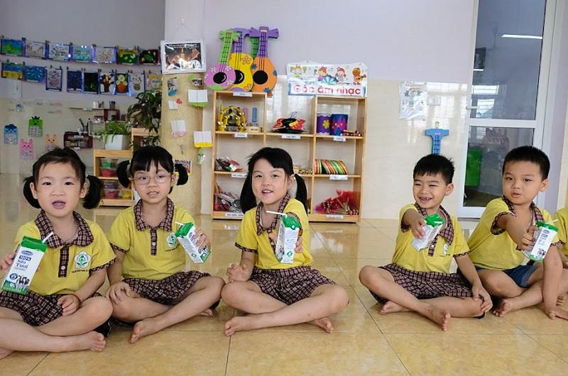 Năm học 2018-2019, đã có trên 1 triệu trẻ mẫu giáo và học sinh tiểu học tham gia chương trình Sữa học đường trên toàn thành phố Hà Nội, đạt tỷ lệ 87,7%.