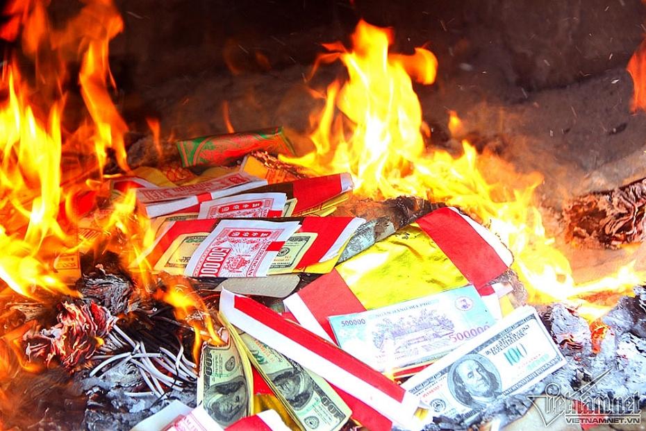 Có nên đốt vàng mã trong Lễ Vu Lan?