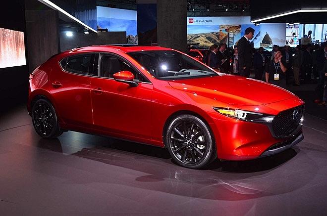 Triệu hồi xe Mazda3 phiên bản 2019 do dính lỗi rơi gương chiếu hậu