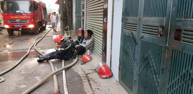 Chùm ảnh: Hiện trường tan hoang sau đám cháy lớn ở nhà máy phích nước Rạng Đông - Ảnh 11.