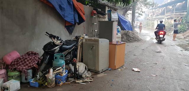 Chùm ảnh: Hiện trường tan hoang sau đám cháy lớn ở nhà máy phích nước Rạng Đông - Ảnh 9.