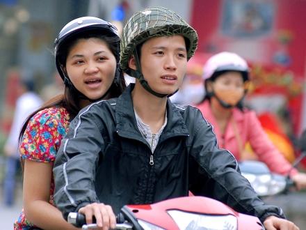 Thị lực hai mắt dưới 4/10 không được phép lái xe máy