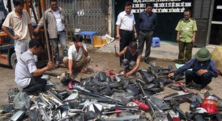 Hà Nội: Thu giữ hàng nghìn linh kiện, phụ tùng ô tô, xe máy