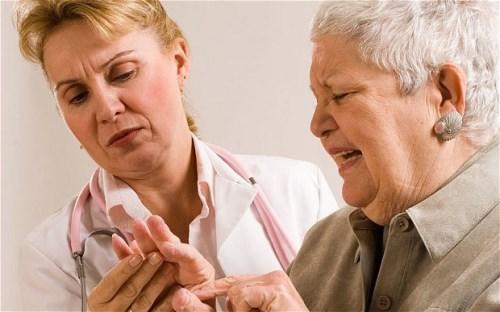 Tê tay chân và các bài thuốc chữa trị đơn giản