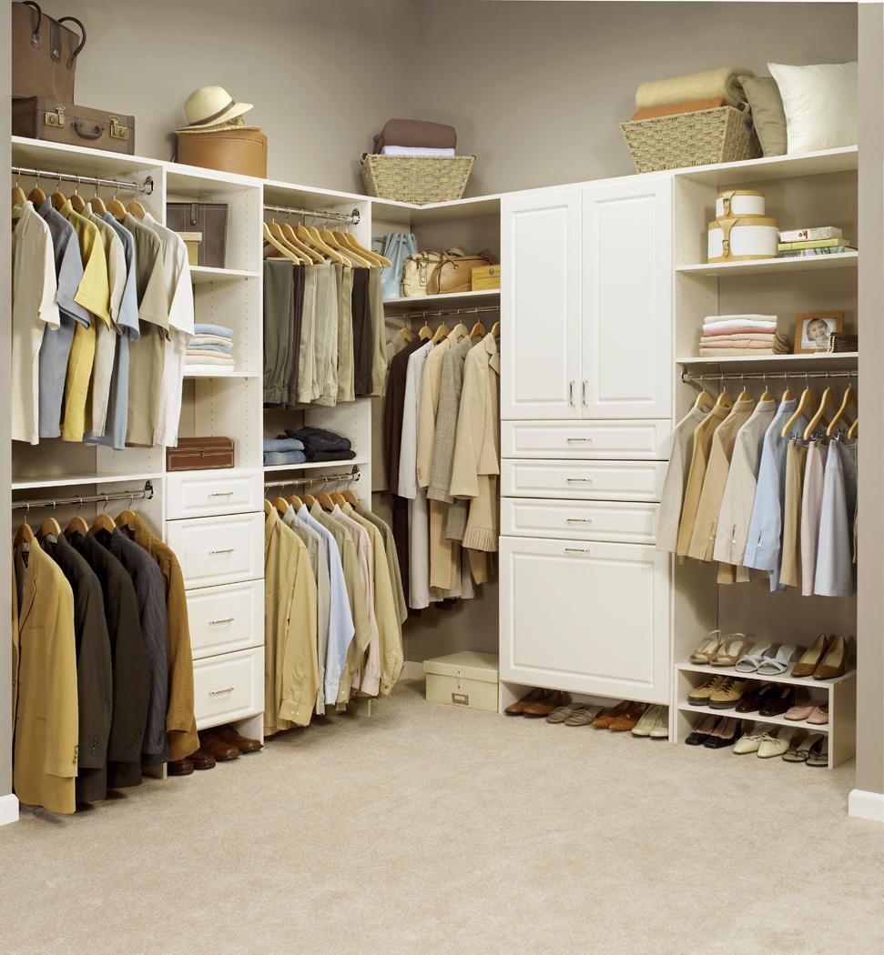 Mẹo sắp xếp tủ quần áo để tài lộc về nhà