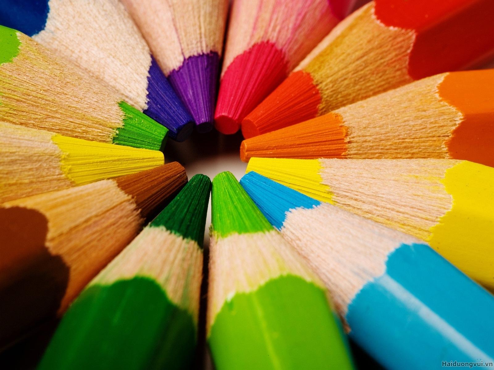 Ý nghĩa 12 gam màu cơ bản trong phong thủy