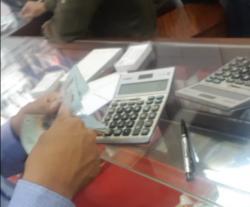 Hậu vụ việc đổi 100USD phạt 90 triệu đồng: Mục sở thị các cửa hàng giao dịch ngoại tệ